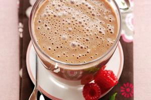 Коктейль молочный с шоколадом.