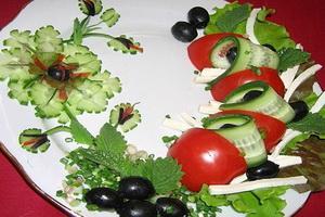 Необычные украшения салатов.