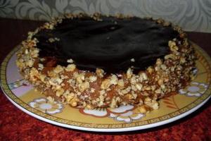 Шоколадный торт Сникерс.