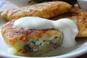 Зразы картофельные с сардинами.