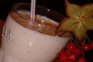 Коктейль молочный с йогуртом.
