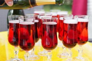 Коктейль с шампанским Кир Рояль (Kir Royale).