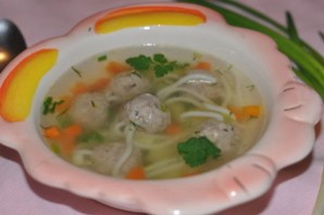 Вкусный суп с фрикадельками.