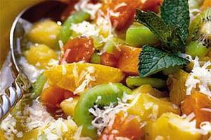 Свежий фруктовый салат.