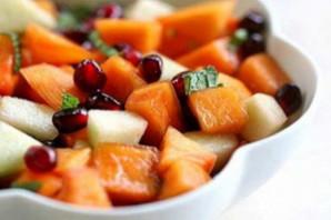 Салат из свежих фруктов.