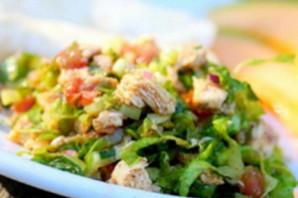 Теплый салат с курицей.