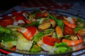 Салат из креветок Дары Нептуна.